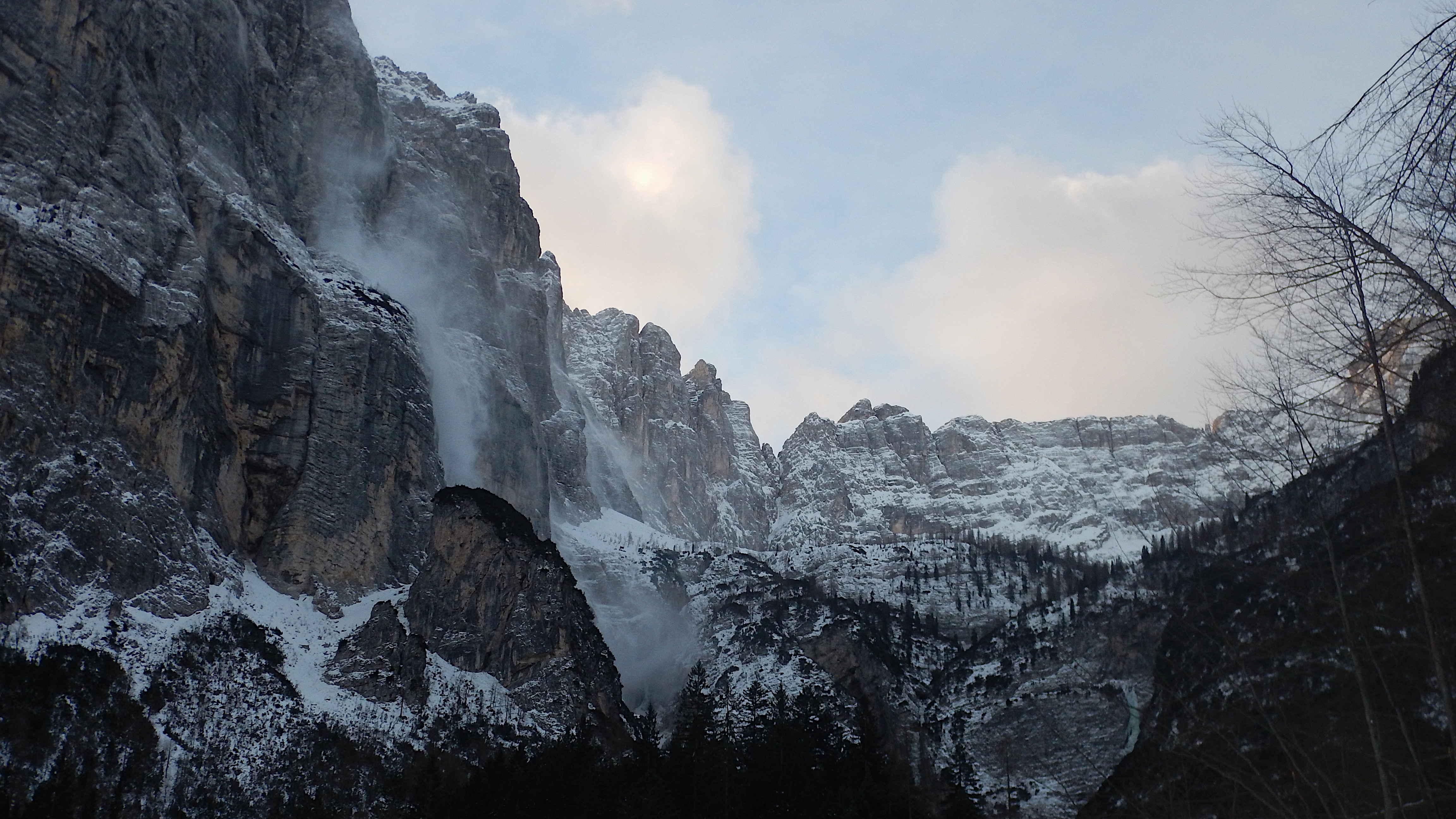 La Val Sorapiss in una mattina ventosa